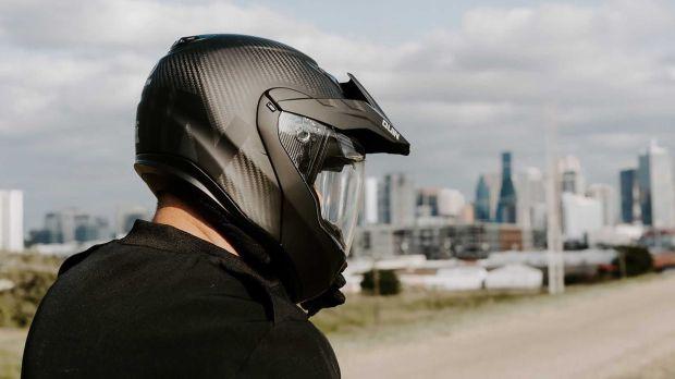 Keren, Helm ini Jadi Helm Tercanggih dan Terpintar Pertama di Dunia