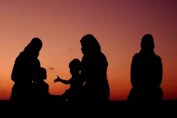 Kesalehaan Perempuan akan Menjaga Anak Cucu Sampai 7 Turunan