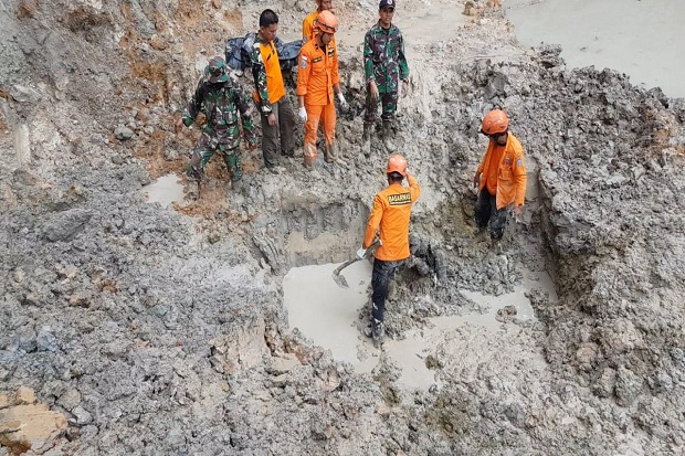 Tragis, 10 Penambang Emas Ilegal di Kotawaringin Barat Terkubur Longsor