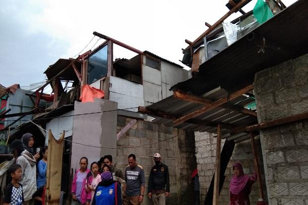 Puting Beliung Sapu Permukiman Warga, Puluhan Rumah Rusak