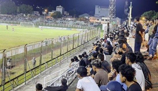 Pemerintah Gencar Larang Kerumunan, Ternate Malah Gelar Turnamen Sepak Bola