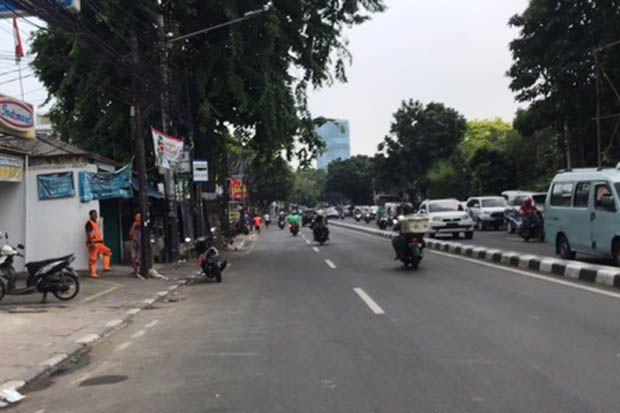 Aktivitas di Jalan KS Tubun Normal, Sejumlah Orang Hilir Mudik di Petamburan III
