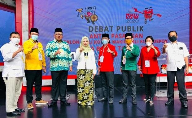 Debat Perdana Pilkada Depok di iNews TV, Pradi-Afifah Kenakan Batik Gong Si Bolong
