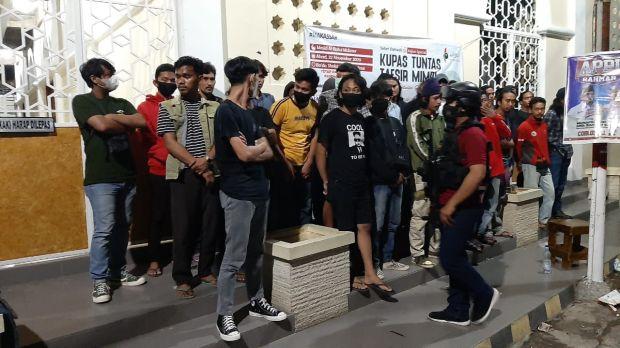 Miris, 33 Pemuda Pesta Miras hingga Pelataran Masjid saat Rayakan Ultah