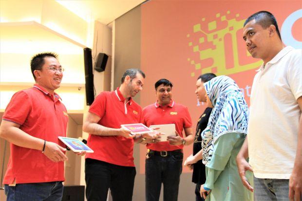 Fasilitasi Penyandang Disabilitas untuk Ngoding, IDCamp Indosat Ooredoo Diganjar Penghargaan