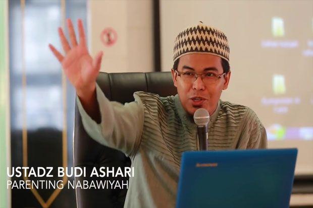 Ustaz Budi Ashari: Terkadang Keras itu Bukti Sayang