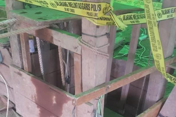 Lubang Tambang Emas Mengeluarkan Bau Busuk, 7 Penambang Masih Terjebak