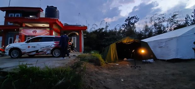 Tugas Baru Mitsubishi Outlander PHEV : Bersiaga di Gunung Merapi