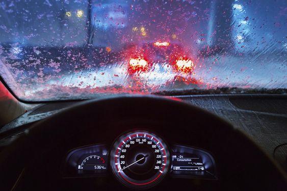 Musim Hujan, Perhatikan Hal Ini Saat Mengemudi Agar Tak Celaka