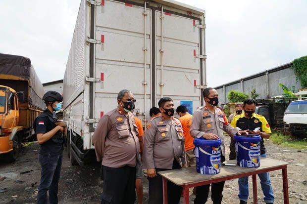 Karyawan dan Sopir Ekspedisi di Bekasi Curi 24.000 Kg Cat