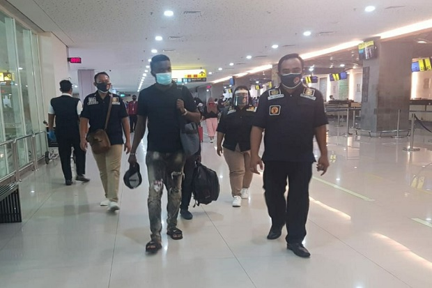 Overstay, 4 WNA Dideportasi dari Bali