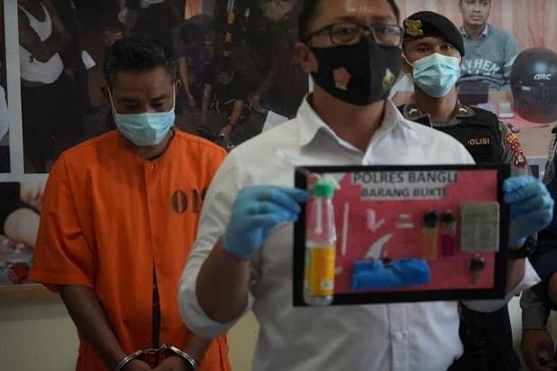 Saking Takutnya, Pria di Bali Ini Nyabu di Kandang Sapi
