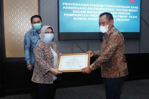 Raih Skor Tertinggi, Sistem Merit Pemprov Jatim Sabet Penghargaan KASN
