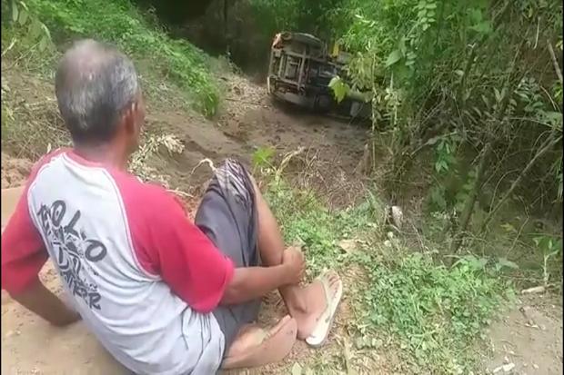 Truk Terguling Masuk Jurang Sedalam 25 Meter di Pasuruan, 1 Luka Ringan