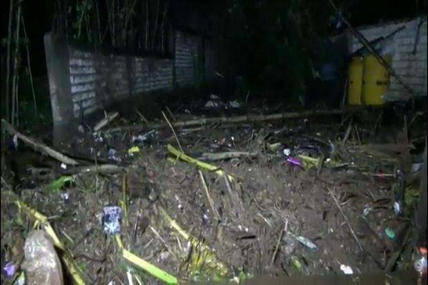 Diguyur Hujan Lebat, Puluhan Rumah di Jalur Pantura Daendles Terendam Air Lumpur