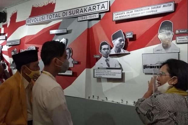 Kunjungi Rumah Budaya Kratonan, Gibran Saksikan Sejarah Kota Solo
