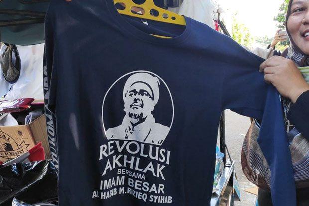 Kaus Revolusi Akhlak Habib Rizieq Laris Manis, Pedagang Kebanjiran Rezeki