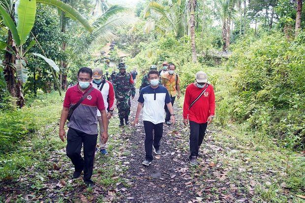 Bupati Suwirta Tinjau Lokasi Rencana Jalan Lingkar Barat