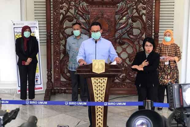 Kontak Erat dengan Anies dan Ariza, 437 Orang Ikuti Tes Usap PCR