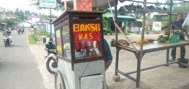 Pedagang Bakso yang Dikungfu Pembeli di Jambi Terharu Dibanjiri Rejeki dari Masyarakat