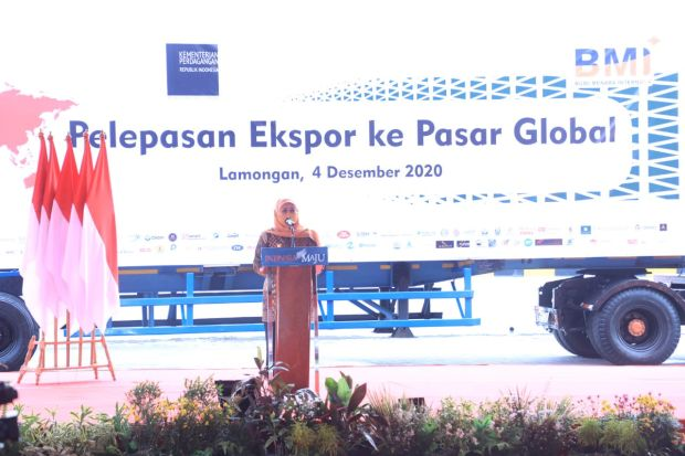 Gubernur Khofifah Lepas Ekspor Tempat Tidur Sapi dari Lumajang