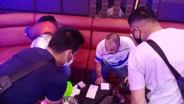 Pesta Narkoba di Tempat Karaoke Digerebek, Tiga Pria Ini Tahun Baruan di Penjara