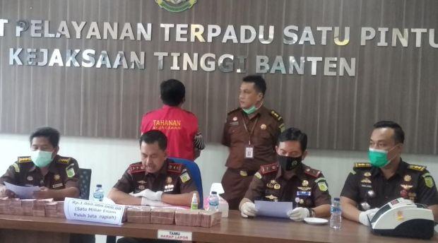 Kredit Fiktif Rp8,7 Miliar, Mantan Kepala Cabang BJB Tangerang Ditahan