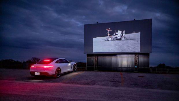 Porsche Rayakan Kiprah 50 Tahun Mobil Listrik Penjelajah Bulan