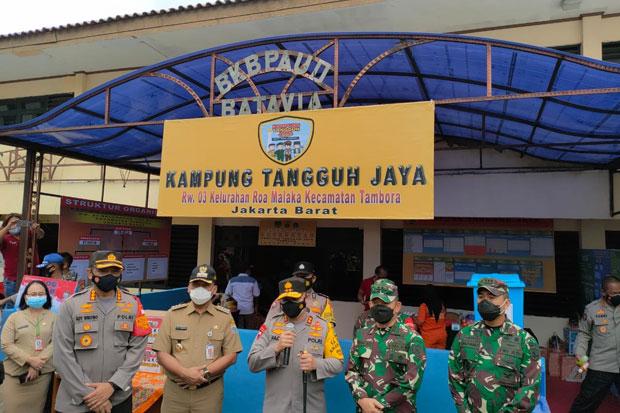 Maksimalkan Kampung Tangguh, Kapolda Metro dan Pangdam Jaya Turun ke RW Zona Merah