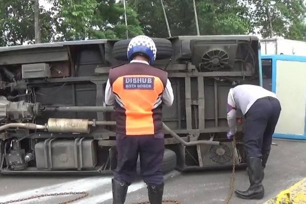Kecelakaan Bus Pengangkut Pasien Covid-19 di Bogor Diduga Akibat Kelalaian Sopir
