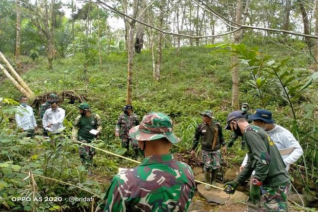 Buka Akses Antar Desa di Bengkulu Utara, Ratusan Prajurit Kodim 0423 Buka Jalan Penghubung