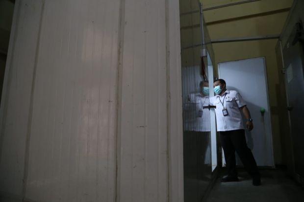 Vaksin COVID-19 Hari Ini Dikirim ke Gudang Farmasi Kalirungkut