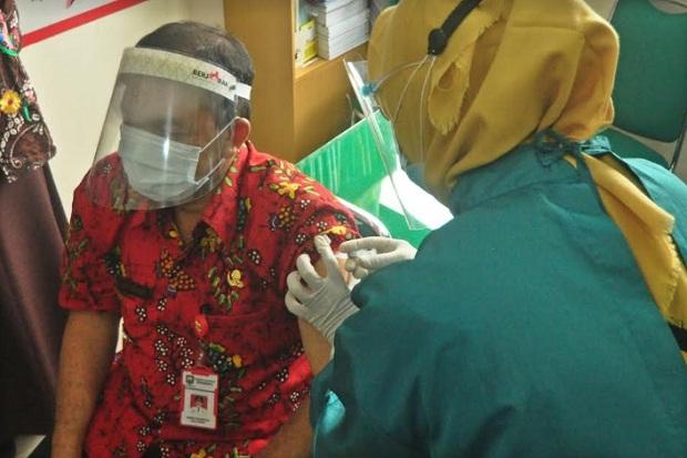 Jalani Suntik Vaksin COVID-19 Pertama, Wabup Semarang Merasa Kaget