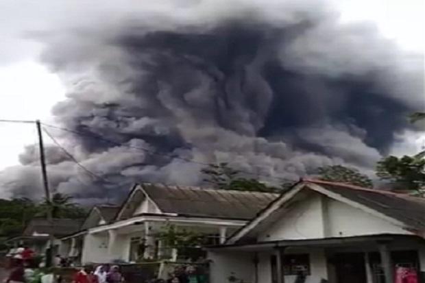 Gunung Semeru Meletus, Sejumlah Desa di Probolinggo Terpapar Abu Vulkanik