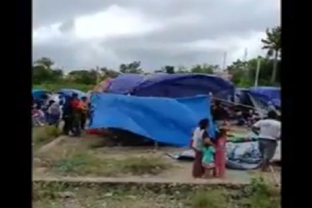 Ratusan Tenda Pengungsi Diterjang Angin, Anak-Ibu Menangis Histeris Ketakutan