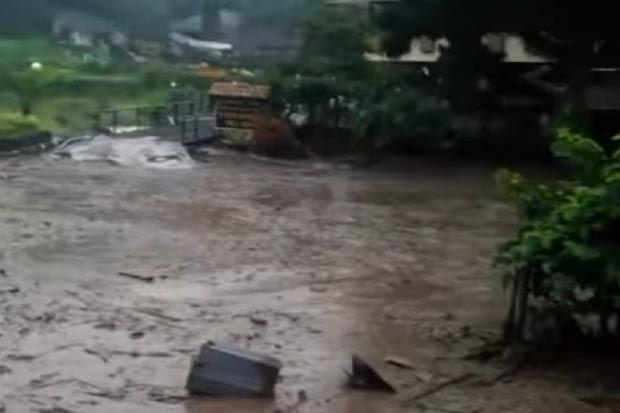 Curah Hujan Ekstrem Picu Banjir Bandang Puncak Bogor, Ini Prediksi BMKG