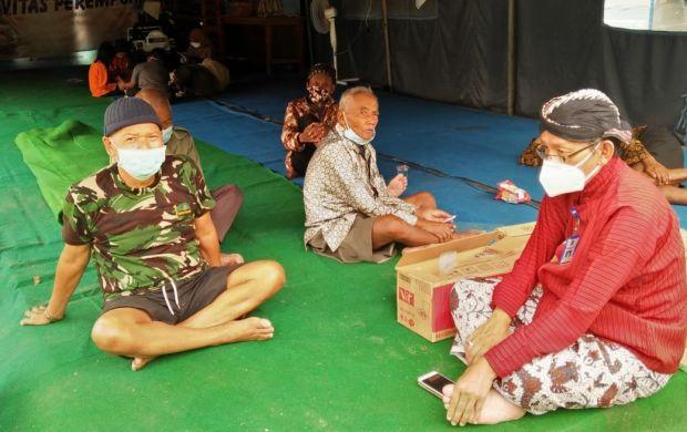 Aktivitas Merapi ke Barat Daya, 182 Pengungsi Sleman Masih Bertahan di Barak