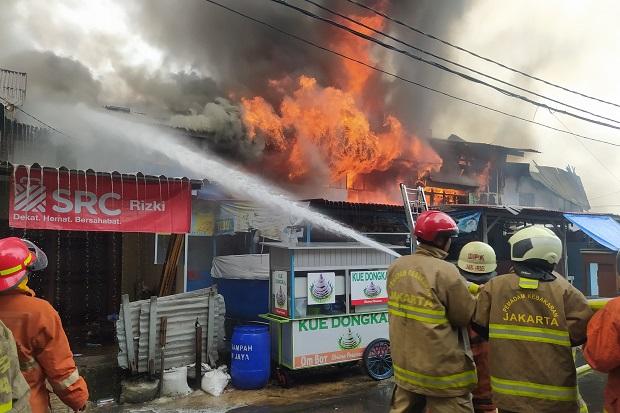Kebakaran di Gambir, 16 Bangunan Hangus Dilalap Api