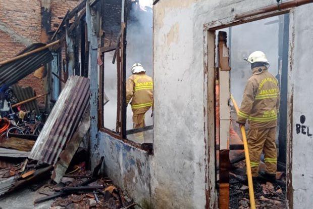 Rumah di Kalibata Ludes Terbakar, Kerugian Diperkirakan Mencapai Rp500 Juta