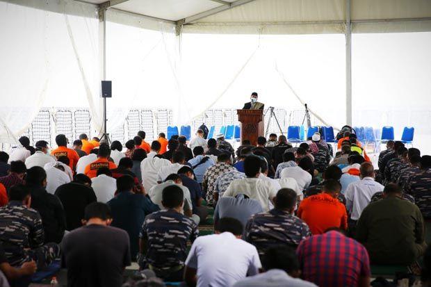 Salat Jumat di Atas KRI Semarang dan Untaian Doa untuk Korban Sriwijaya Air SJ-182