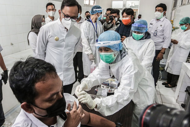 2.263 Tenaga Kesehatan di Bogor Sudah Divaksin Covid-19