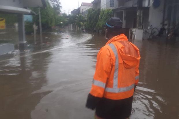 Diguyur Hujan Sejak Pagi, 3 Kecamatan di Bekasi Terendam Banjir