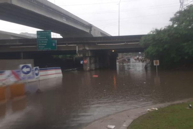 Kolong Caman Terendam Banjir, Netizen: Langganan di Situ Mah