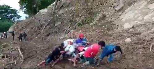 Beratnya Perjuangan Relawan Salurkan Bantuan Gempa di Majene, Lewati Medan Berlumpur