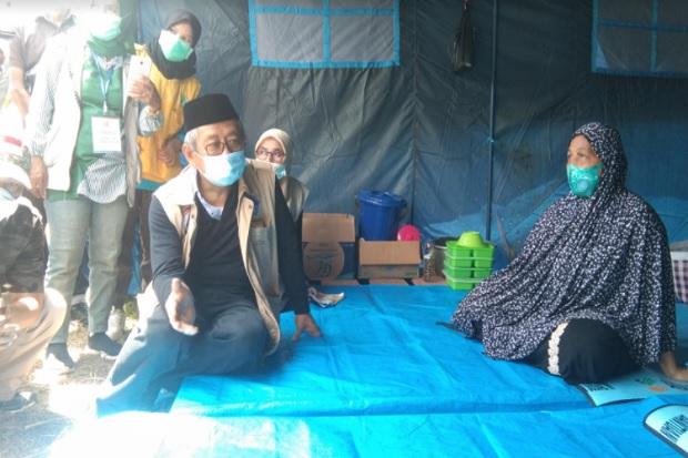 Gubernur Sulbar Menangis saat Temui Pengungsi Korban Gempa di Polman