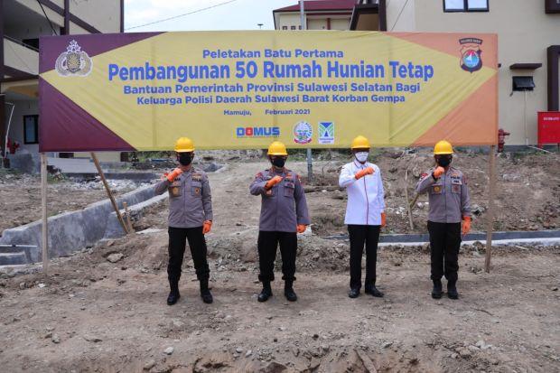 Gubernur Sulsel dan Kapolri Resmikan Pembangunan Rumah Polisi Korban Gempa di Sulbar