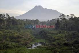 Selasa Pagi, Gunung Merapi Semburkan Lava Pijar 12 Kali Sejuah 1,5 Km