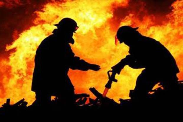 Kebakaran saat Banjir Melanda Benhil Jakpus, 19 Damkar Dikerahkan