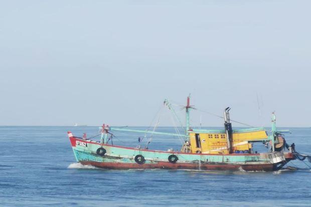 Angkut Rokok dan Miras Ilegal, Kapal Kayu Kandas di Perairan Nongsa