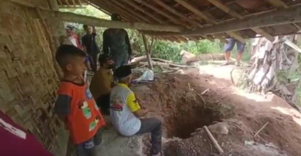 Sukabumi Gempar, Seorang Janda Ditemukan Tinggal Tulang Belulang